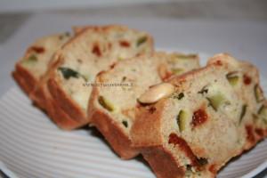 plumcake integrale con zucchine e pomodori secchi3