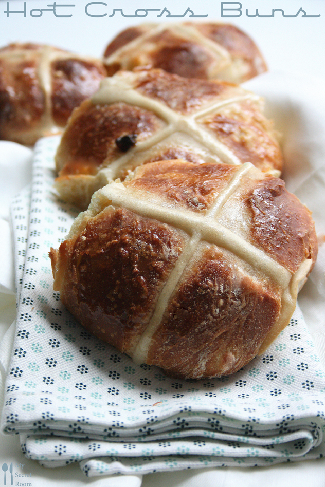 hot cross buns_paul Hollywood_mysecretroomblog_food blog Marsia Calce