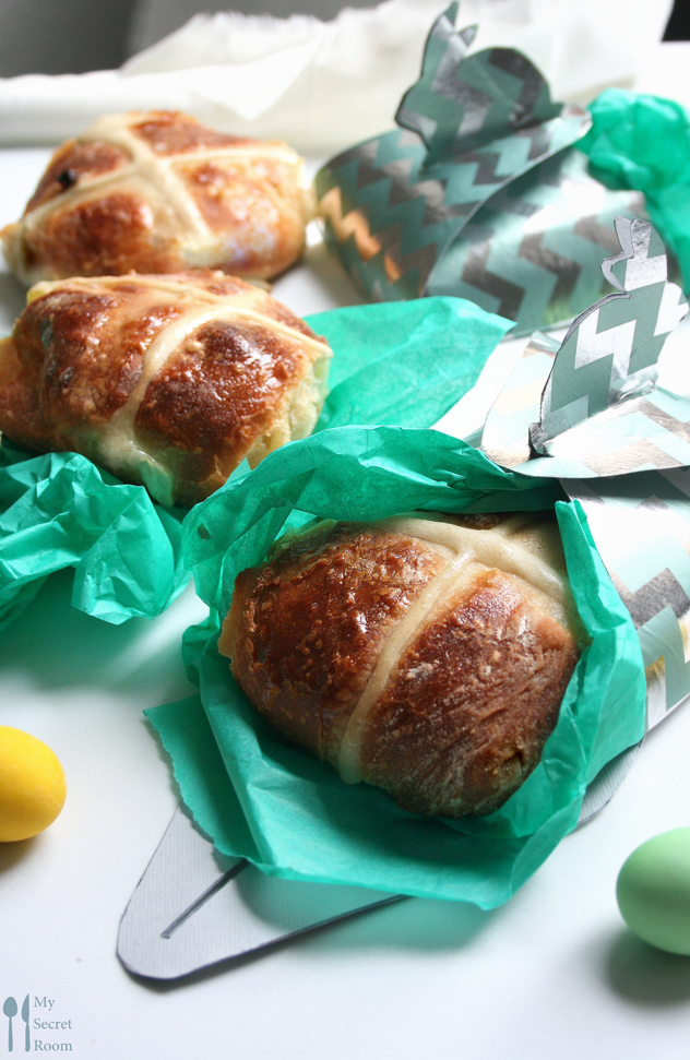 hot cross buns_paul Hollywood_mysecretroomblog_food blog Marsia Calce2