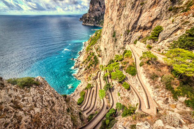 la suggestiva Via Krupp a Capri