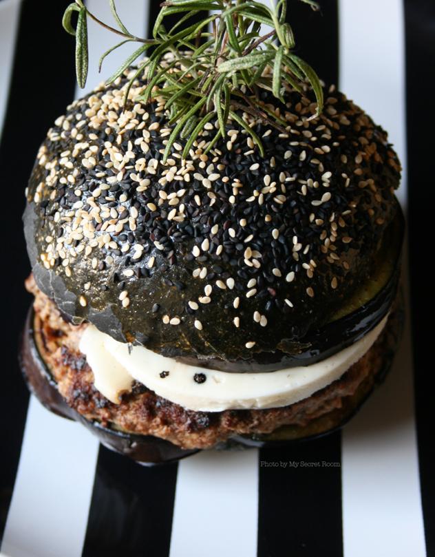 black burger buns 2