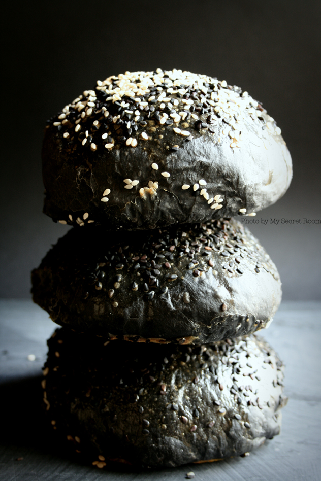 black burger buns 6